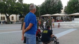 CHIOS : du Mastixa partout - Page 2 20150741