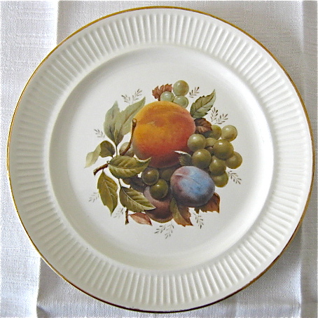 CL Fruit Design & Gold edge on  Apollo is Cake Plate/Server Peaches, Pears, Strawberries d997 Img_3226