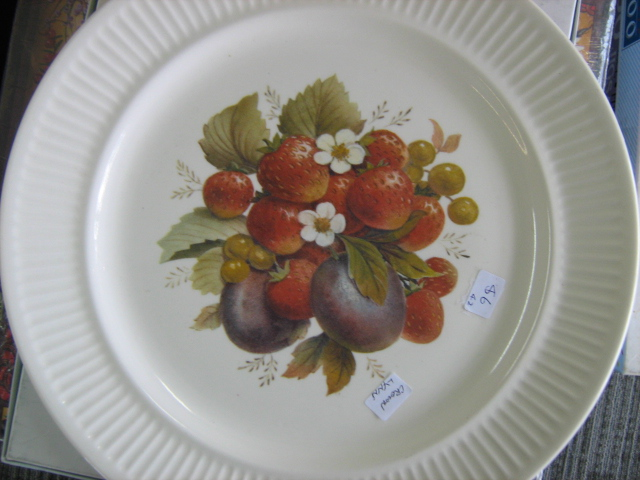 CL Fruit Design & Gold edge on  Apollo is Cake Plate/Server Peaches, Pears, Strawberries d997 Img_3229