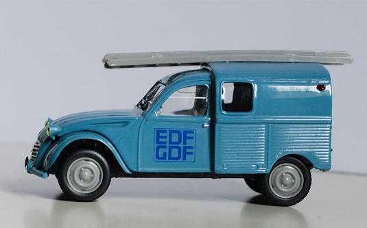 Chris Customs. Jeep Wrangler Hydro Blue Edf10