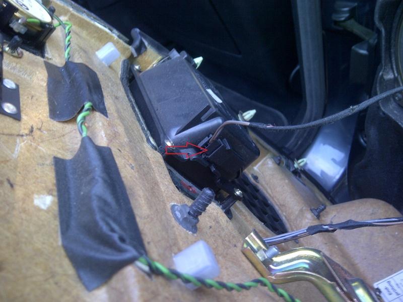 Tuto Démontage Mécanisme vitre électrique arrière Img-2062