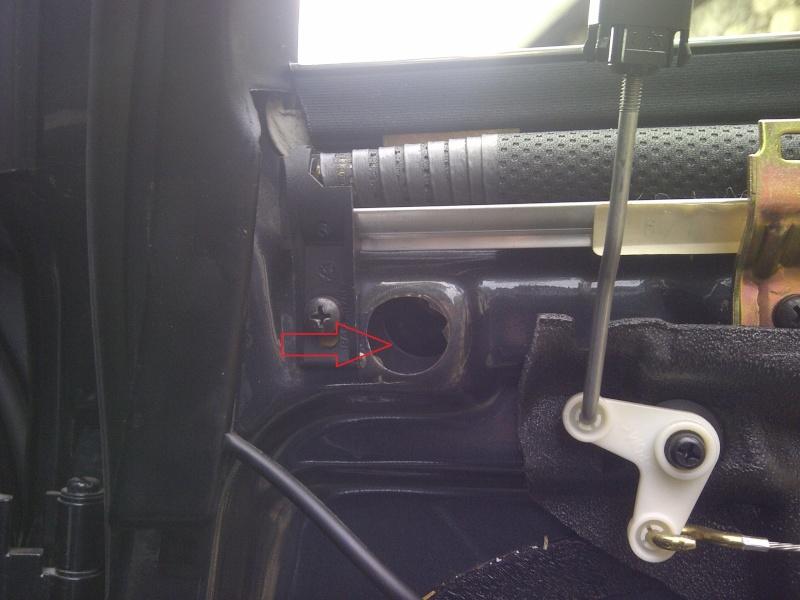 Tuto Démontage Mécanisme vitre électrique arrière Img-2068