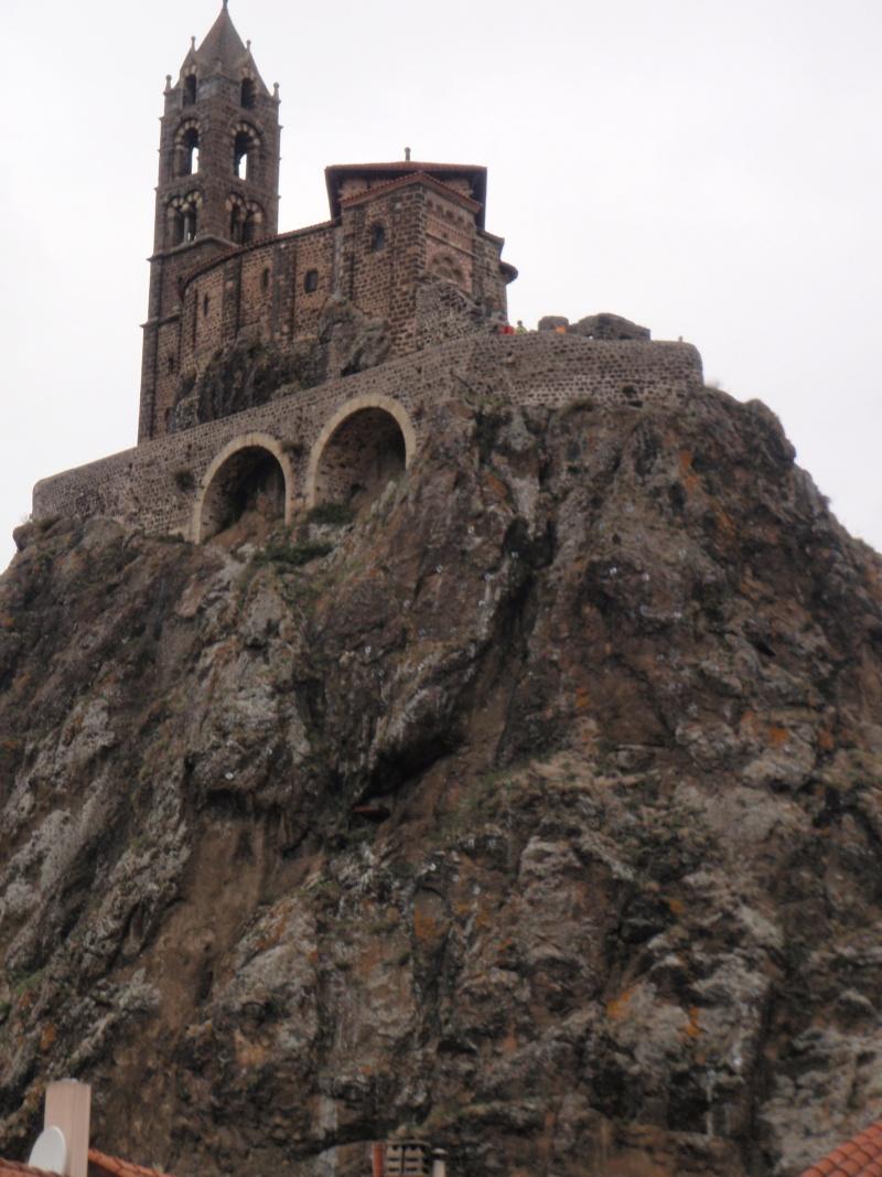 A la poursuite de St Jacques par les pistes : le CR+vidéo - Page 12 Puy_en13