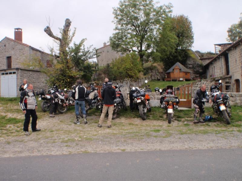 A la poursuite de St Jacques par les pistes : le CR+vidéo - Page 12 Puy_en17