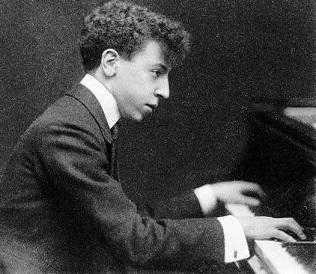 Liszt: oeuvres pour piano seul hors sonate en si mineur - Page 7 Moisei10