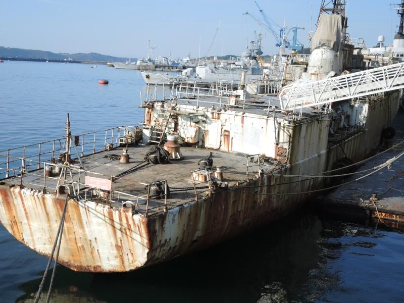 [Autre sujet Marine Nationale] Démantèlement, déconstruction des navires - TOME 2 - Page 5 03310