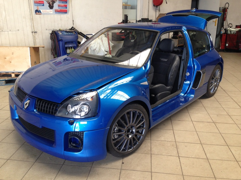clio V6 - Page 5 Img_2810