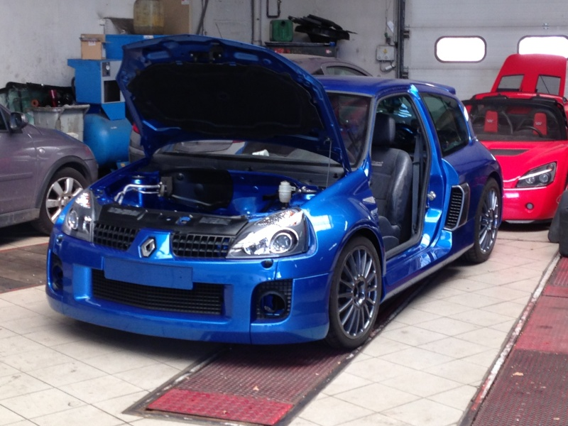 clio V6 - Page 5 Img_2812