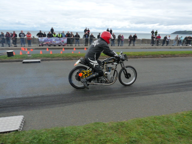 [Road Racing] Classic TT-Manx GP 2015 - Page 12 P1080021
