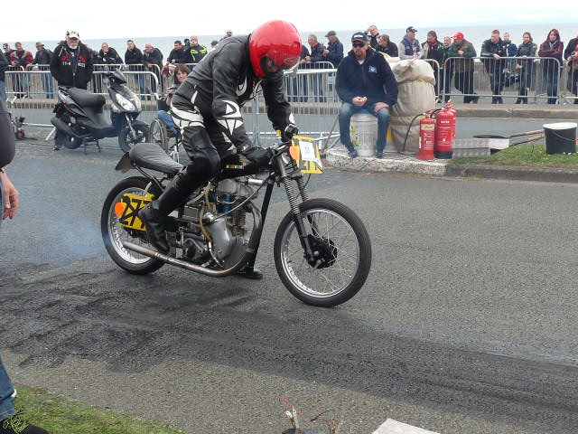 [Road Racing] Classic TT-Manx GP 2015 - Page 12 P1080022