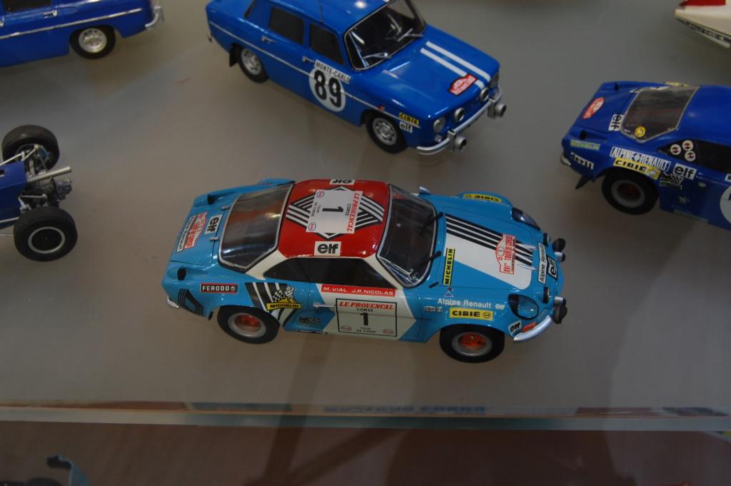 Fil rouge 2021 * Alpine A110 Groupe IV Tour de Corse 1973  1/24 Heller 80745  Dsc_0400