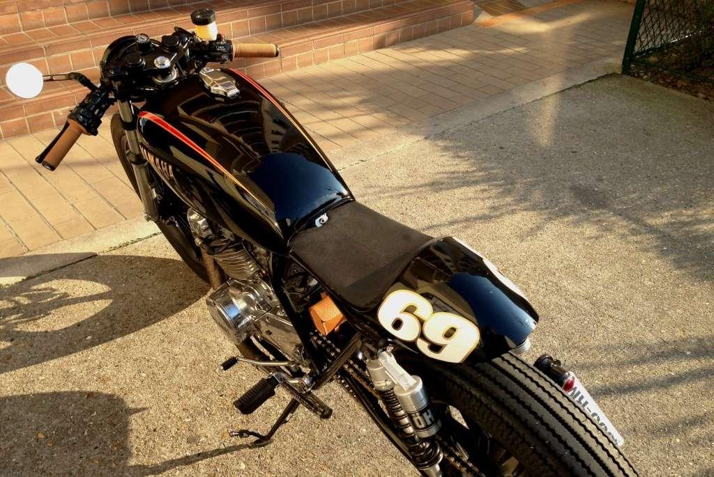 ...d'un 400XS Custom à un 400XS Cafe Racer !! - Page 43 Img_5812