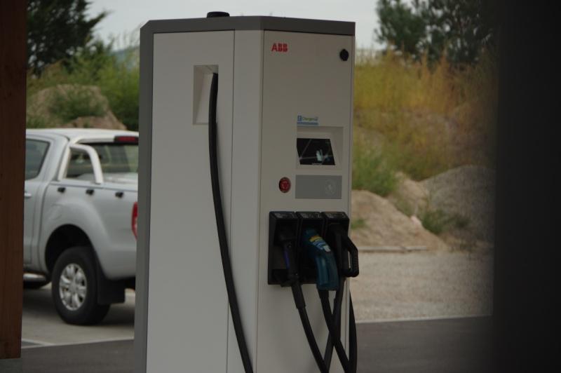 """Station de recharge  """"VERSUS"""" à Haguenau Imgp4710"""