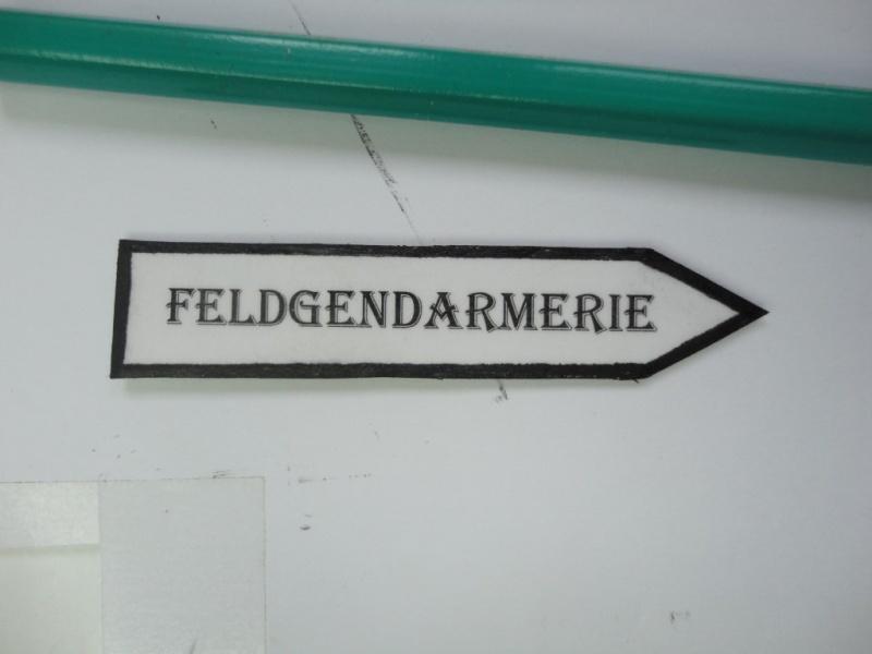 Feldgendarme - Young Miniatures ref 1919 -  1/9  200 mm  ( finie ) - Page 4 Dsc08840