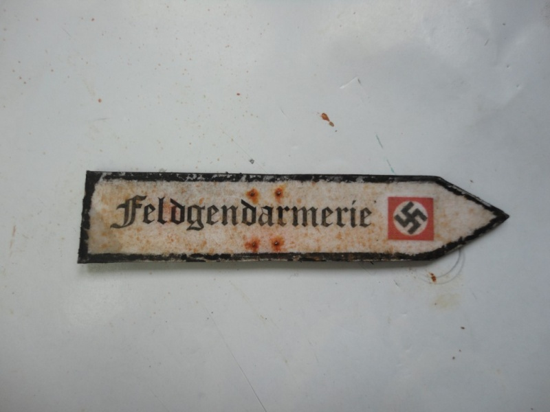 Feldgendarme - Young Miniatures ref 1919 -  1/9  200 mm  ( finie ) - Page 4 Dsc08929