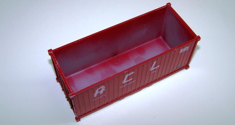 Les wagons plats porte-container de 20 pieds de Lima. Acl_310