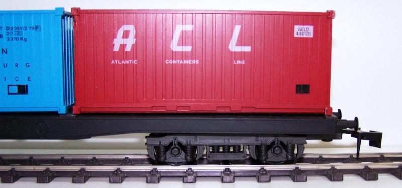 Les wagons plats porte-container de 20 pieds de Lima. Acl_510