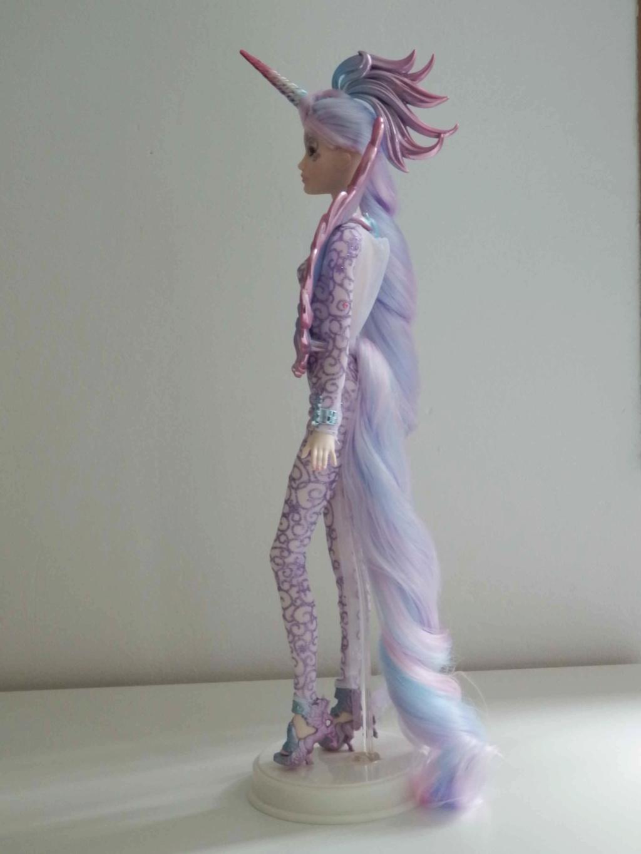 Les Barbies de collection de Kaoru ^^ - Page 3 P9080513