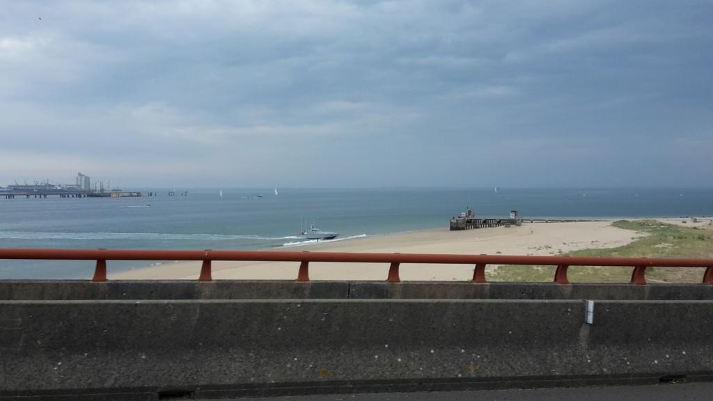 Essai d'une vedette sur la plage de Sablanceaux 20200912
