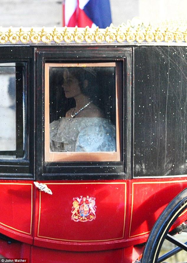Queen Victoria, la nouvelle série d'ITV - Page 3 Queen_10