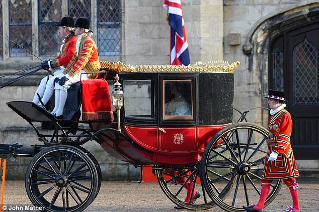 Queen Victoria, la nouvelle série d'ITV - Page 3 Queen_11