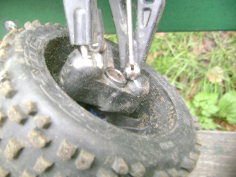 Les  Mugen MBX5R & MBX5T - pas comme les autres de Trankilou & Trankilette - Page 2 Photo712