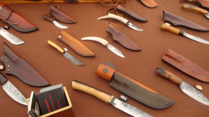 salon du couteau la Monnerie - Page 3 Dsc07848