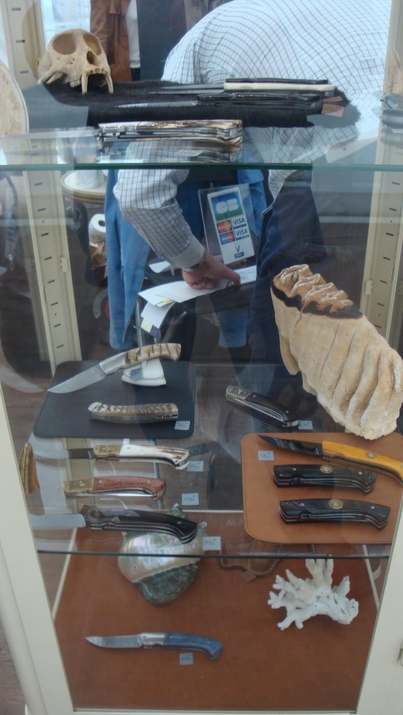 salon du couteau la Monnerie - Page 4 Dsc07872