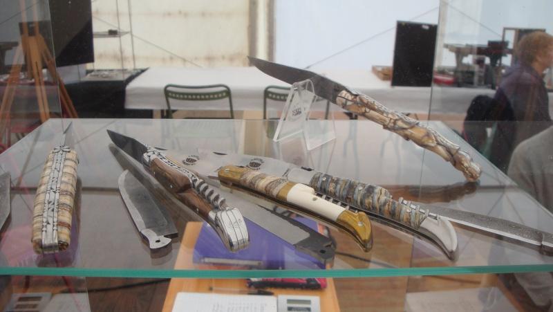 salon du couteau la Monnerie - Page 4 Dsc07880