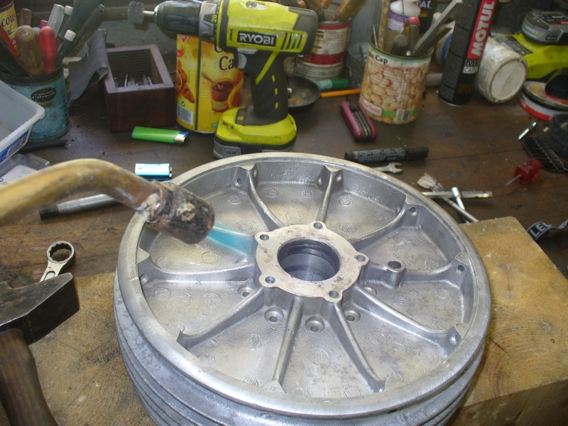 roulements de roues - Page 3 Roulem15