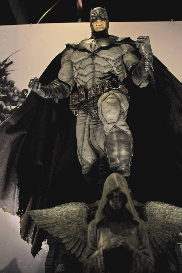 Batman Arkham Origins - Batman Noel Costume 1/3 Statue 12075011