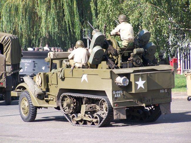 Photos sur le 60ème anniversaire de la libération de Chartres les 4/5 Septembre 2004 Halftr10