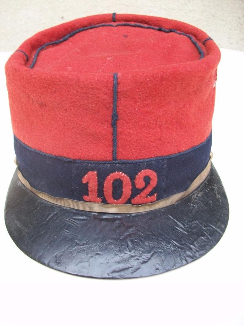 Képi de sous-officier du 102ème de CHARTRES Kepi110