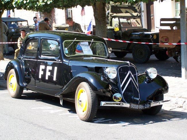 Photos sur le 60ème anniversaire de la libération de Chartres les 4/5 Septembre 2004 Tracti10