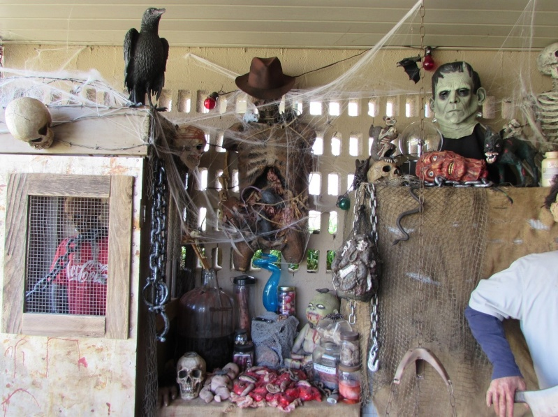 HALLOWEEN - The Chickenshack House of Horror - Page 6 611