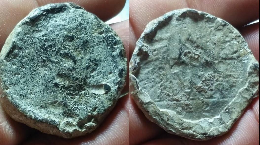 Les monnaies antiques en plomb Yy10