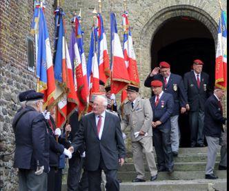 Cassel : les parachutistes ont fêté la Saint-Michel à la collégiale dimanche  St_mic10