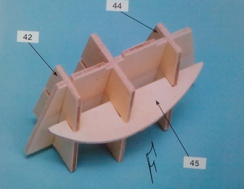 Construire le France 1/250 de chez Hachette - Page 5 Ch1110
