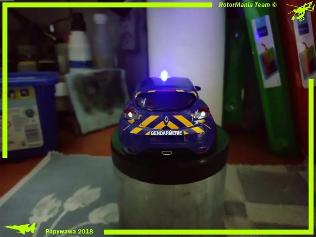 Mégane Gendarmerie au 1/43 ème Dsc_0117