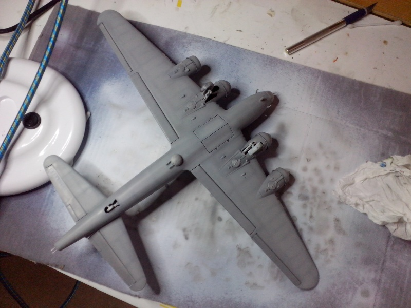 B-17F  The Shamrock Special (revell) - Page 2 Img_2027