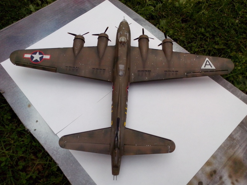 B-17F  The Shamrock Special (revell) - Page 4 Img_2054