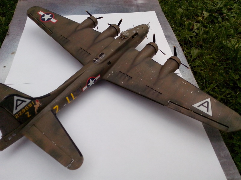 B-17F  The Shamrock Special (revell) - Page 4 Img_2055