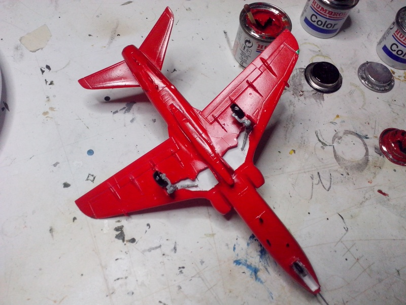 BAE HAWK des Red Arrows (revell) - Page 2 Img_2074