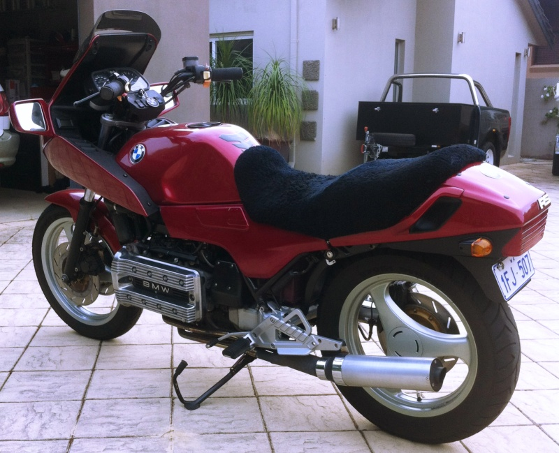 Pics of my K100 rear end tidying efforts so far - Page 2 Photo_11