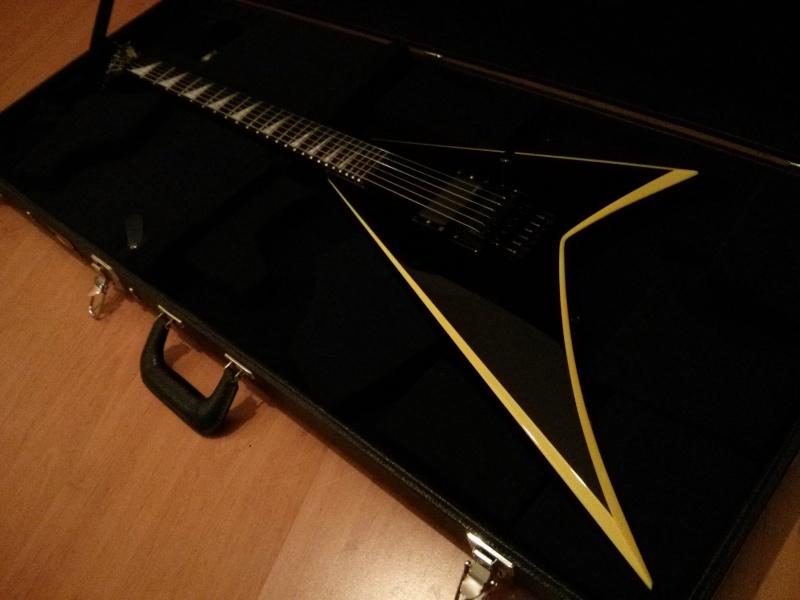 Cote des guitares Jackson/Charvel - Page 9 Img_2010