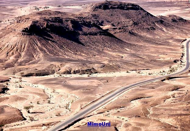 zagora en exemple , Qui a dit qur l'Amazigh est isolé, sans route et sans accès ? Atlas_10