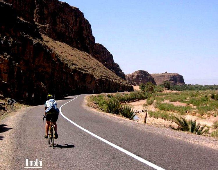 zagora en exemple , Qui a dit qur l'Amazigh est isolé, sans route et sans accès ? Zagora11