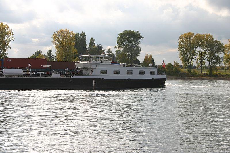 Kleiner Rheinbummel am 21.10.15 in Koblenz und Mondorf 4110