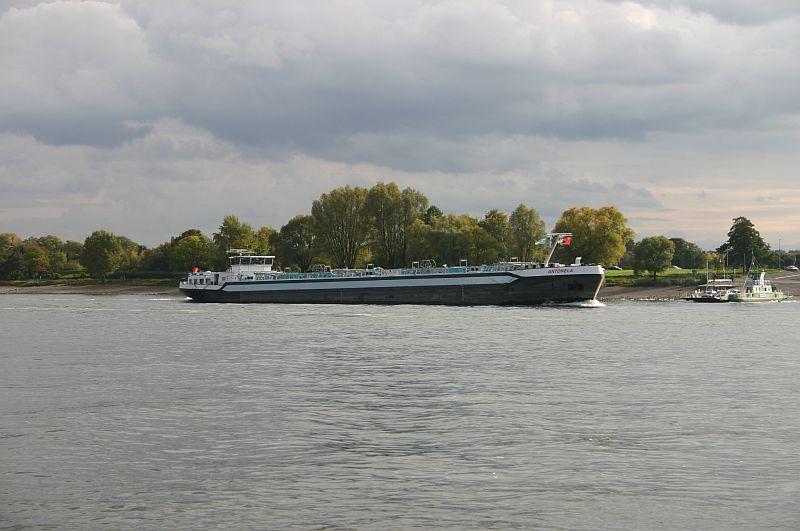 Kleiner Rheinbummel am 21.10.15 in Koblenz und Mondorf 4510