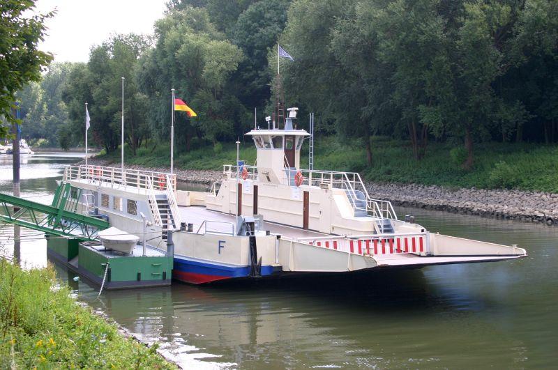 Kleiner Rheinbummel am 31.07.15 in Königswinter und Mondorf Img_3541